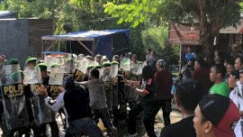 Massa Oknum Caleg Demo di KPU Selayar