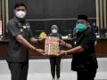 Foto: Bupati Adnan Serahkan APBD-P 2020 Untuk Dibahas di DPRD