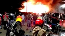 Kebakaran Dekat Jembatan Kembar, 3 Kios Pedagang Pisang Hangus
