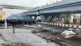 Demo Tolak UU Cipta Kerja, Polisi Bubarkan Aksi Mahasiswa-Buruh di Makassar