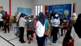 81 Petugas Lapas Perempuan Sungguminasa Jalani Vaksinasi