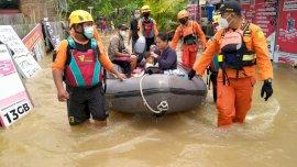 Hingga Hari Ini, Basarnas Sulsel Masih Evakuasi Korban Banjir di Makassar