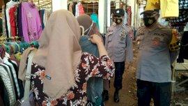 Operasi Yustisi, Polsek Bajeng Tertibkan Pengunjung dan Pedagang Pasar