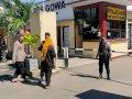 Perketat Akses Masuk ke Polres Gowa, Polisi Periksa Barang Bawaan