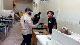 Satpol-PP Sidak Rumah Makan, Pengunjung Langsung Kabur