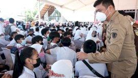 Rindu Sekolah Tatap Muka, Ribuan Pelajar Ikut Vaksin Massal di Balla Lompo